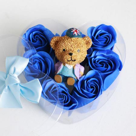 پکیج کادویی عروسک خرس و گل عطری طرح Romantic