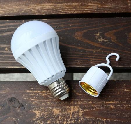 لامپ جادویی چند کاره سیار - LED Emergency Bulb